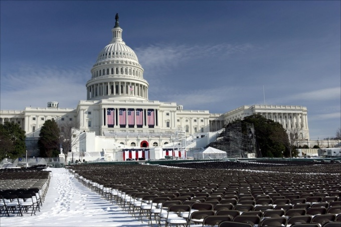 capitol-building-inauguration-bleachers.jpg