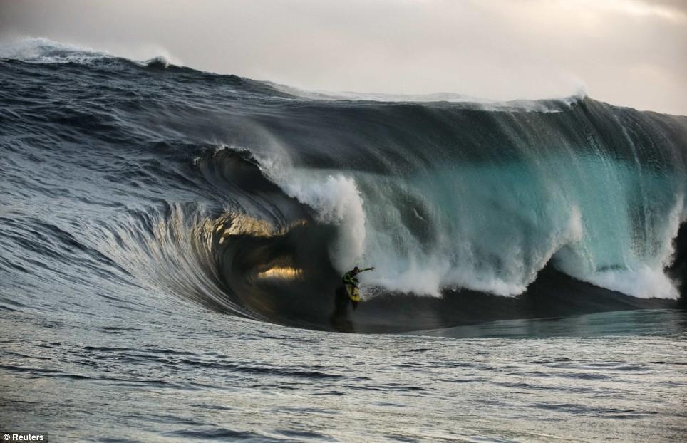 surf_massivewave